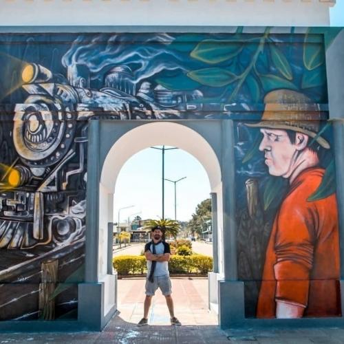 Mural en el Arco del Nuevo Milenio, en Mocoretá